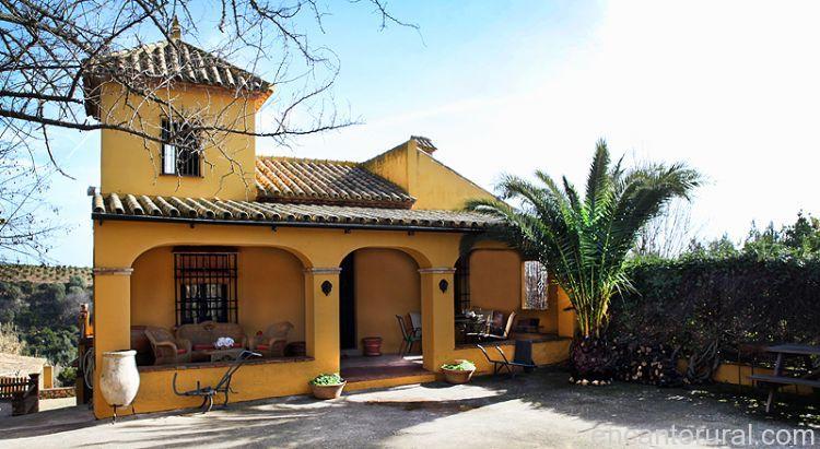 Huerta de las mayas casa rural en c rdoba for Fotos de fachadas de casas andaluzas