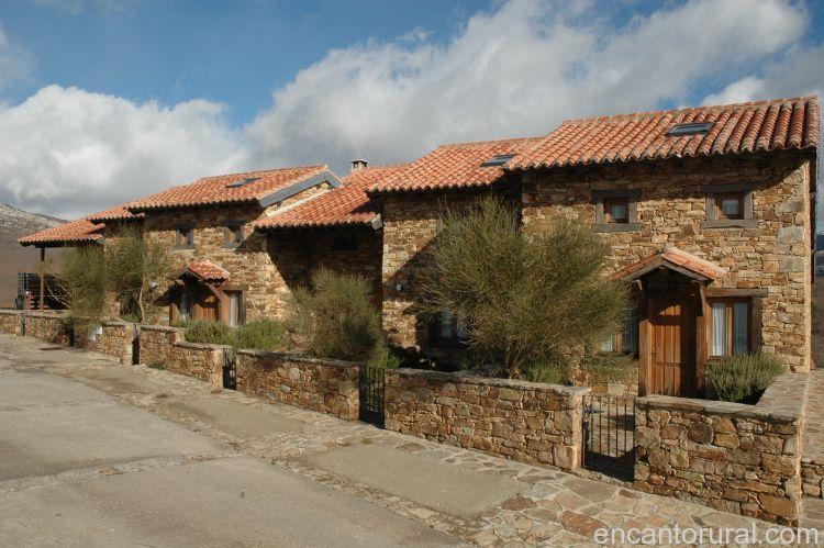 El bulin de horcajuelo casa rural en madrid for Casa rural romantica madrid