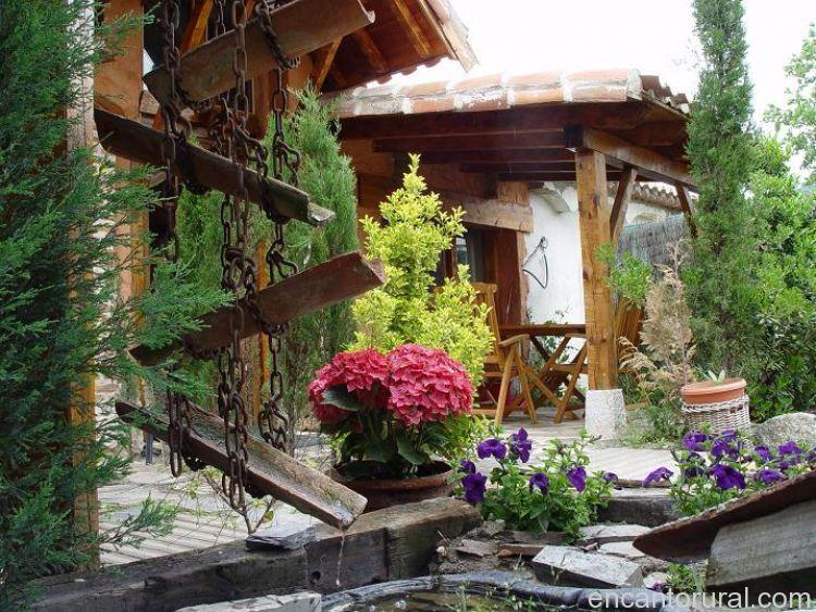 Las cavas casa rural en valladolid for Jardines rurales